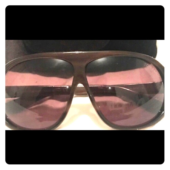 b16d24d21f2 Authentic Tom Ford aviator sunglass w velvet new.  M 5a37de2d8290af9831049a89. Other Accessories ...